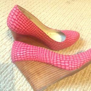 Max Studio pink leather snake print wedge heels